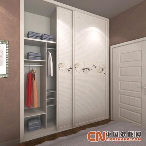 客房的整体衣柜也是一种生活的表现,一套既浪漫,又好的整体衣柜,安装在一个生活空间里面,也是一道靓丽的风景线,看着舒适,用着开心,让整个生活空间充满了温馨。 用户在定制整体衣柜时,首先要对于一套完整的整体衣柜介绍要熟悉,确认衣柜品牌的出处,产品板材,产品用料,售后服务等。