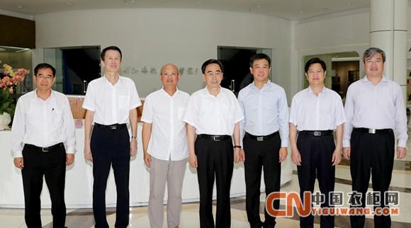 领舞工业4.0,省长朱小丹盛赞尚品宅配衣柜颠覆玩出色