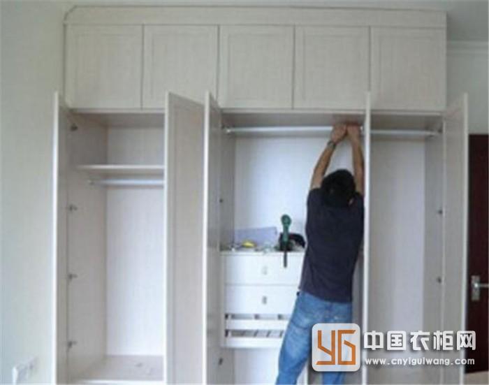 木工衣柜自然有其利好,但追求更高品质的生活享受,定制衣柜更胜一筹