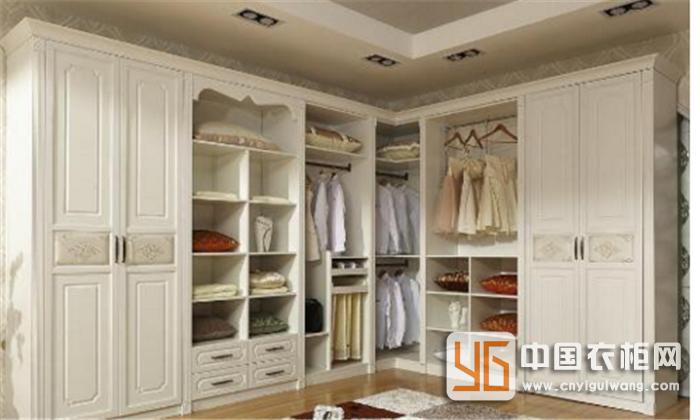 消费者在购买的时候还需把好两道关,才能确保买到满意的定制衣柜