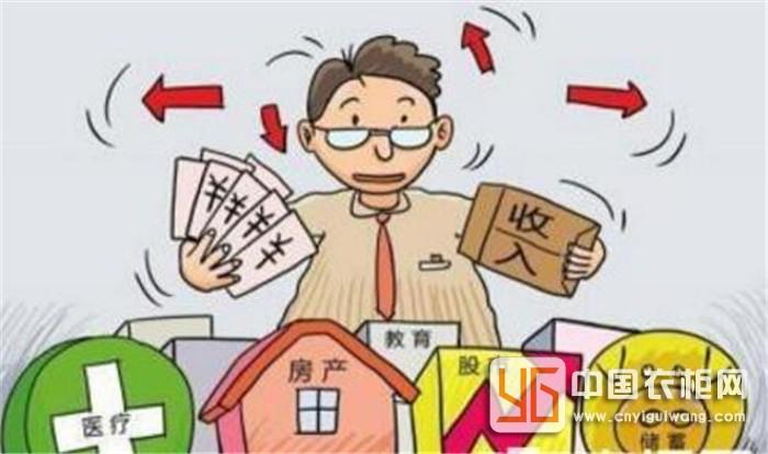 究竟定制衣柜适不适合中国社会,工薪家庭要不要选择定制衣柜呢?