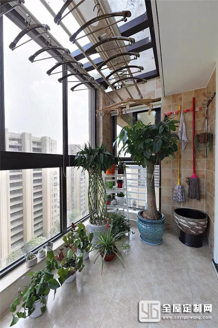 封闭式阳台只能做晾晒和收纳?全度家居才不会舍弃它80%的功能!