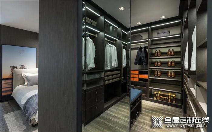 新房装修应该选择木工衣柜还是整体衣柜呢?佰丽爱家告诉你