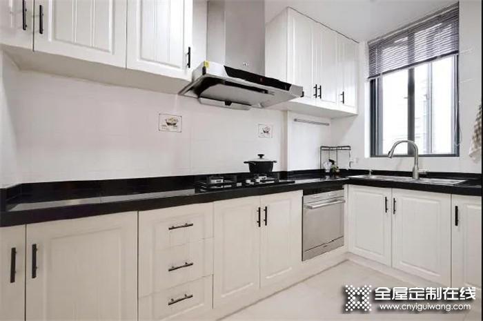 厨房照着帅太这样装,面积再小也能让邻居羡慕不已!