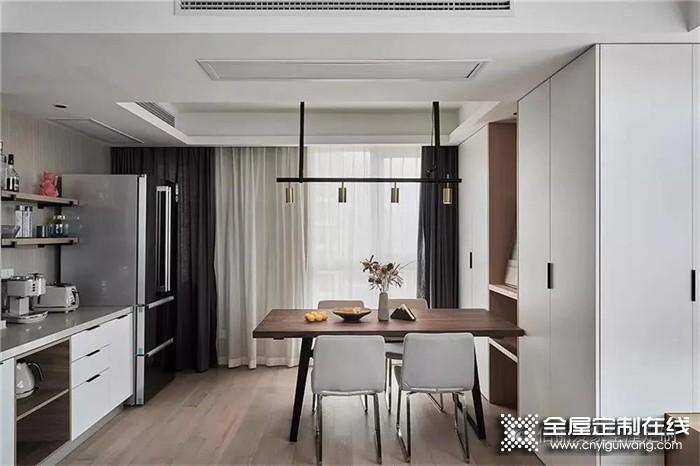看佰丽爱家设计的84平米现代风2居室小户型,收纳好又显大!