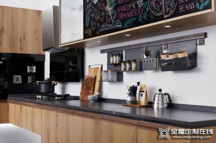 柏厨家居|利用好墙面收纳 厨房空间扩容一倍