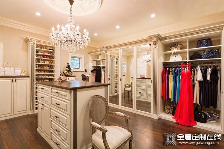 现代筑美家居欧式风格衣柜系列产品效果图